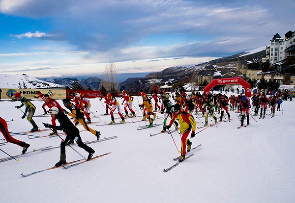 Esquí de travesía, alpinismo y nieve en un solo deporte