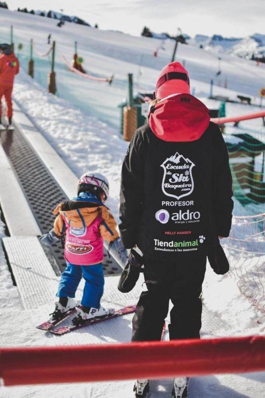 Clases colectivas niños Escuela Ski Baqueira