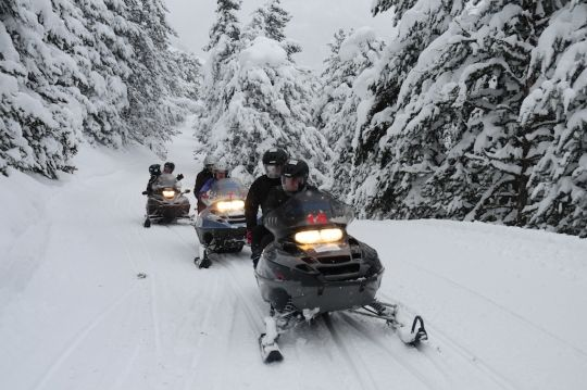 Excursiones en moto de nieve