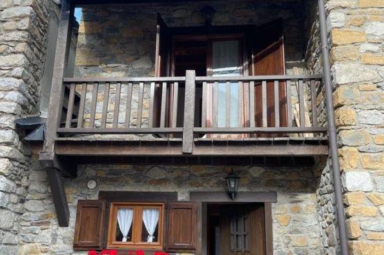 Artíes, esencia rústica y comodidad en uno de los pueblos más bonitos del Valle de Arán