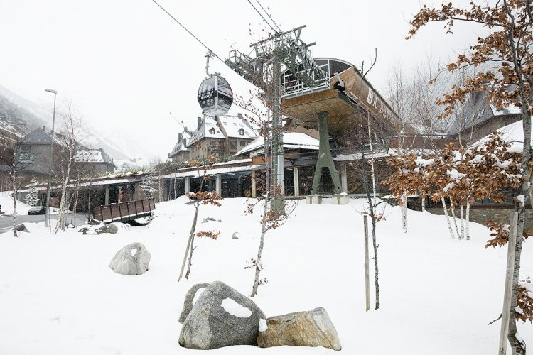 Ruda A30, WoW range. Alquiler Val de Ruda a pie de pistas con apartamentosBAQUEIRABERET.com LUDERNA