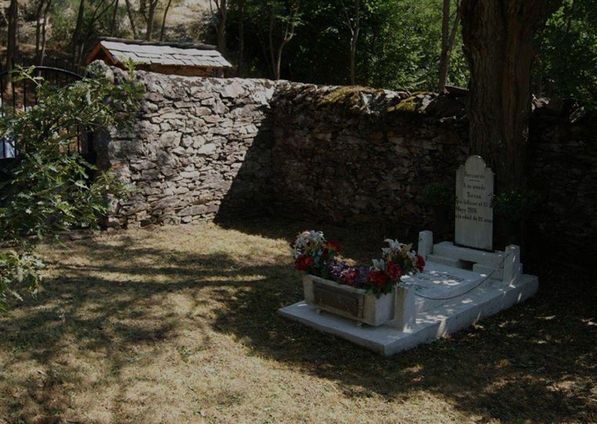 Cementerio de los enamorados aran